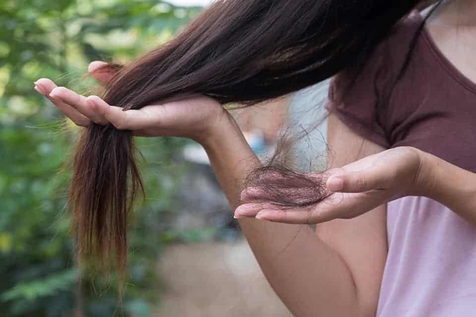 evitar queda de cabelo em excesso